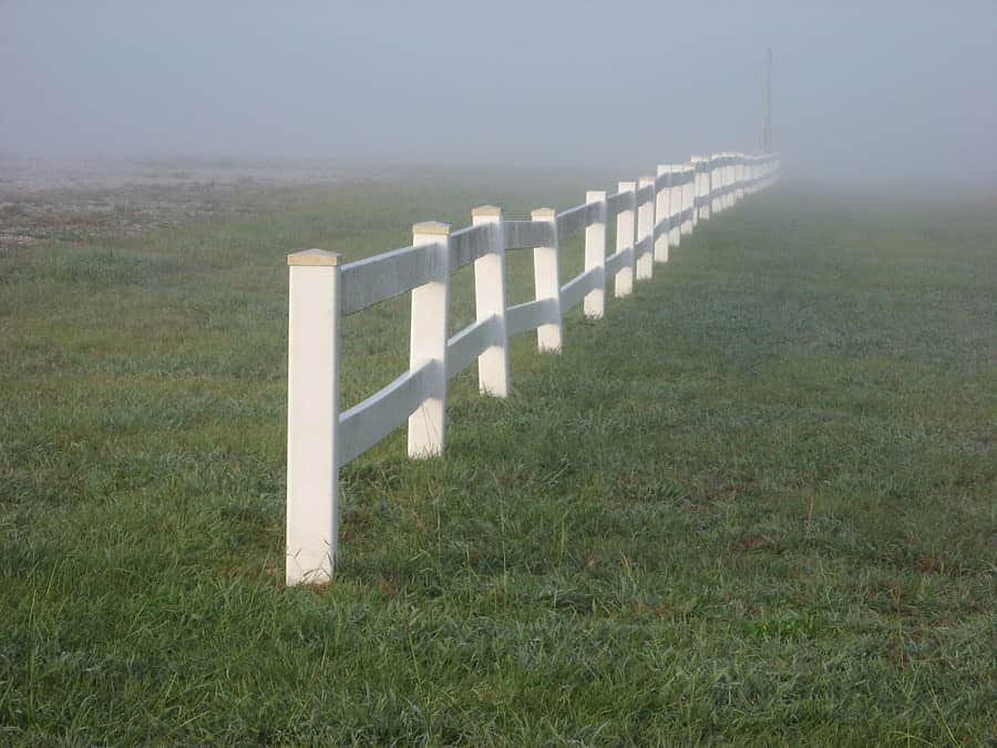 Vinyl fencing myths that are misleading