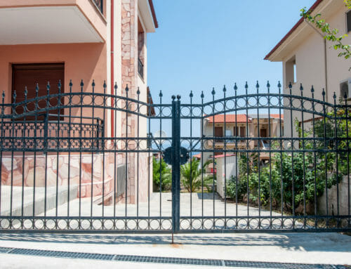 Top 6 Benefits of Installing a Driveway Gate